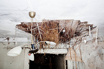 Eingestürzt - p930m764276 von Phillip Gätz