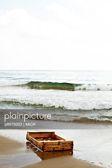 Kiste am Meer - p8970003 von MICK