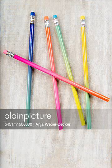 5 Bleistifte - p451m1586890 von Anja Weber-Decker