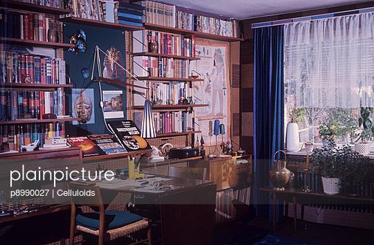 Bildungsbürgerliches Wohnzimmer - p8990027 von Celluloids