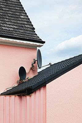Rosa Haus - p1006m891337 von Danel