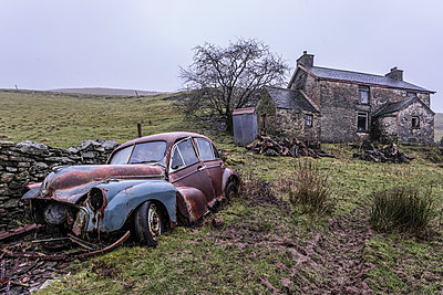 Abandoned car - p1440m1497487 by terence abela