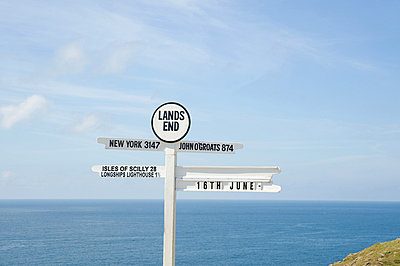 Lands end sign - p9244162f by Image Source