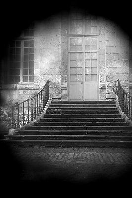 France, Old mansion - p945m2216386 by aurelia frey