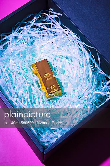Goldbarren - p1149m1589520 von Yvonne Röder
