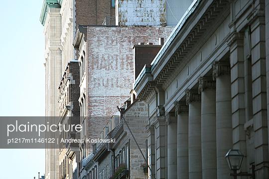 Fassade 20 - p1217m1146122 von Andreas Koslowski