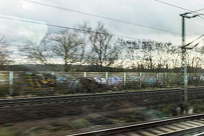 Bahnfahrt - p280m1222047 von victor s. brigola