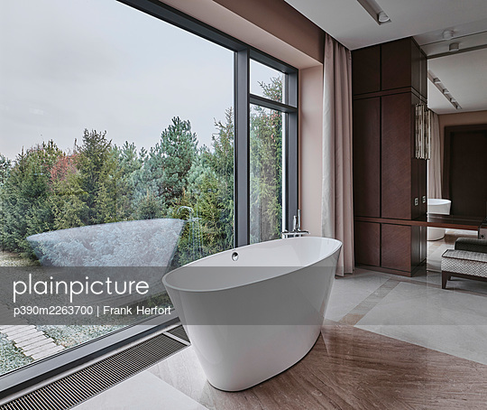 Bathroom with view in a villa - p390m2263700 by Frank Herfort