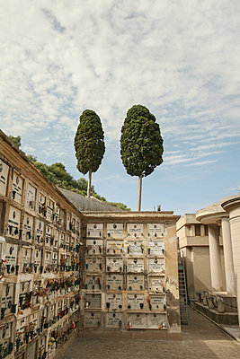 Friedhof, Lipari, Italien - p1038m1065670 von BlueHouseProject