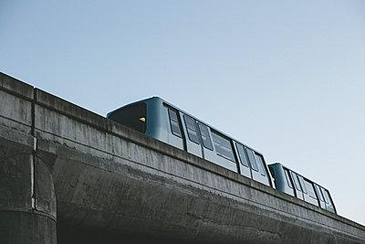Air Train - p1290m1152456 by Fabien Courtitarat