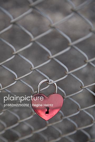 Lover forever - p1682m2293202 by Régine Heintz