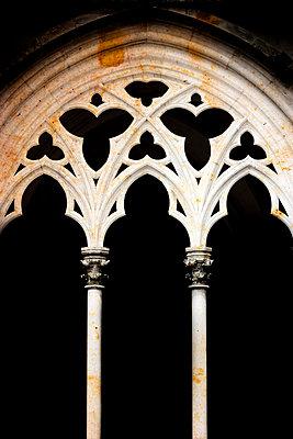 Gotisches Kirchenfenster - p2481186 von BY