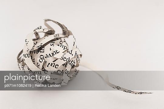 Ball of words - p971m1082419 by Reilika Landen