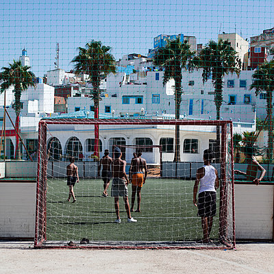 Football players in Morocco - p1138m1467870 by Stéphanie Foäche