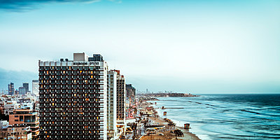 Tel Aviv - p416m1498073 von Jörg Dickmann Photography