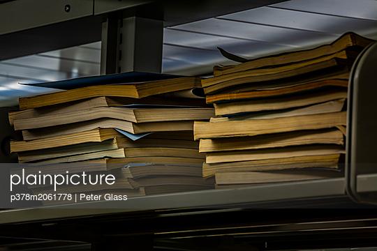 p378m2061778 von Peter Glass