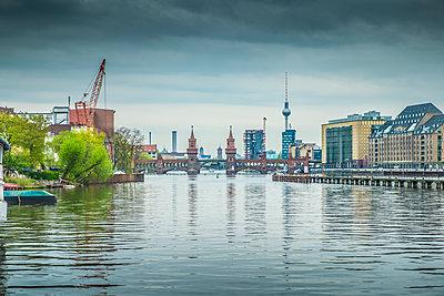 Oberbaumbrücke in Berlin - p1243m1154848 von Archer