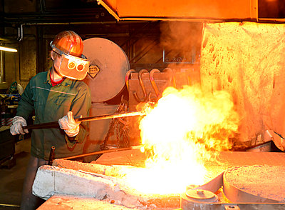 Worker in a foundry - p300m2213839 by lyzs