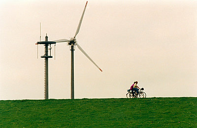Two people cycling - p0260017 by Opitz
