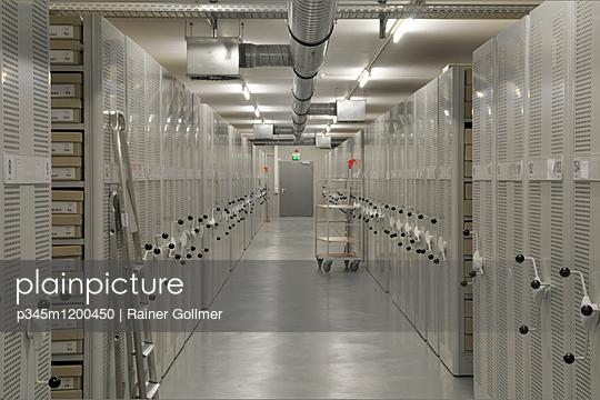Archiv - p345m1200450 von Rainer Gollmer
