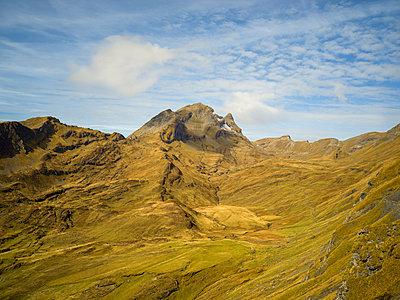 Blick auf Gebirgskette in der Schweiz - p1267m1514207 von Wolf Meier