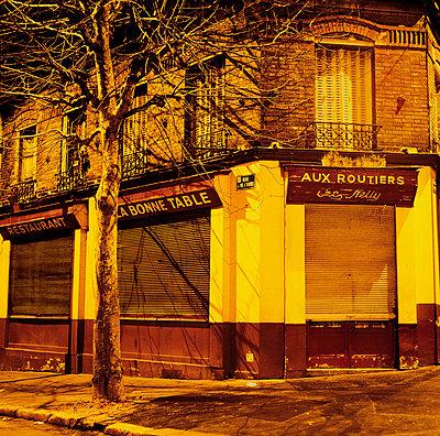 Bar in Paris - p56710215 by daniel belet