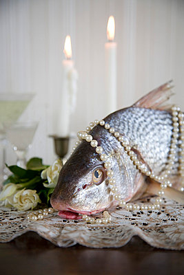 Pearls and fish for dinner - p6190072 by Samira Schulz