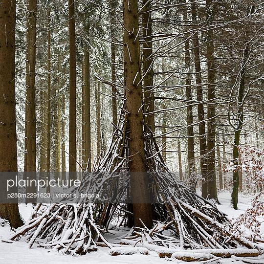 Winter Camp - p280m2291623 by victor s. brigola