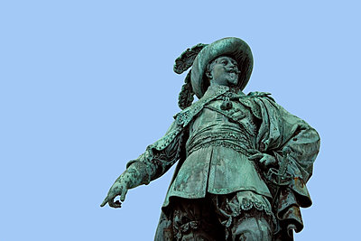 Low angle view of King Gustav II Adolf statue against clear blue sky - p1025m788401f by Mujo Korach