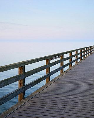 Seebrücke - p1124m989088 von Willing-Holtz
