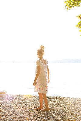 Sommer am See - p454m2217370 von Lubitz + Dorner