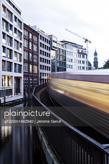 Hamburg, Verkehr - p1222m1462940 von Jérome Gerull