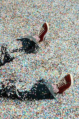 Confetti - p1028m933863 by Jean Marmeisse