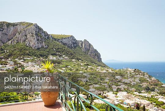 Schöner Blick auf Capri - p432m1149627 von mia takahara