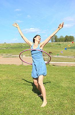 Shake it Baby! - p045m1028366 von Jasmin Sander