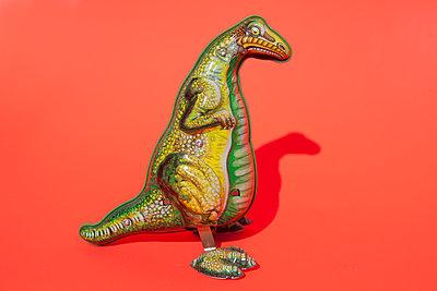 Spielzeug-Dinosaurier - p045m1591456 von Jasmin Sander