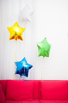 Bunte Ballons  - p680m1119836 von Stella Mai