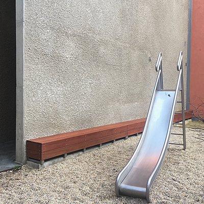 Wien, Österreich, Kabelwerk Siedlung, Rutsche - p1401m2159048 von Jens Goldbeck