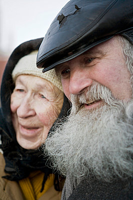 Elderly couple in Moscow - p3900249 by Frank Herfort