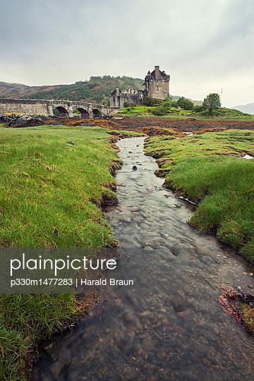 Eilean Donan Castle - p330m1477283 von Harald Braun