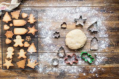 Baking gingerbread cookies - p300m2005387 by skabarcat