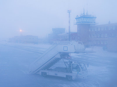 Nowy Urengoi, Airport in winter - p390m2126660 by Frank Herfort