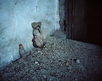 Left behind - p945m791514 by aurelia frey