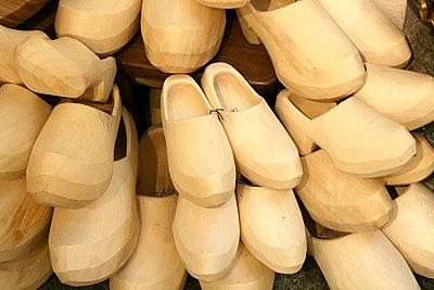 Wooden clogs typical Aostan artisanal handicrafts, Aosta Valley, Italy - p343m1167946 by David Santiago Garcia