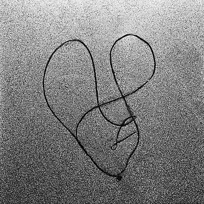 String - p1661m2245362 by Emmanuel Pineau