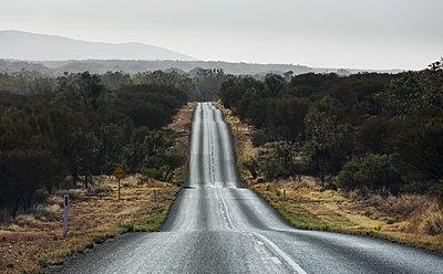 Wavy traffic lane - p628m2184107 by Franco Cozzo