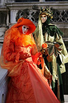Maskierte in Venedig - p1620036 von Beate Bussenius