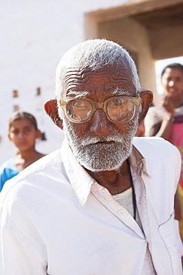Der Mann mit Brille - p1259m1125289 von J.-P. Westermann