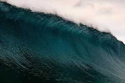Wave - p1395m1442212 by Tony Arruza