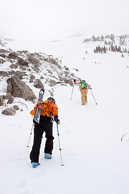 Two backcountry skiers in Pony, Montana.  - p343m958359f von Craig Moore